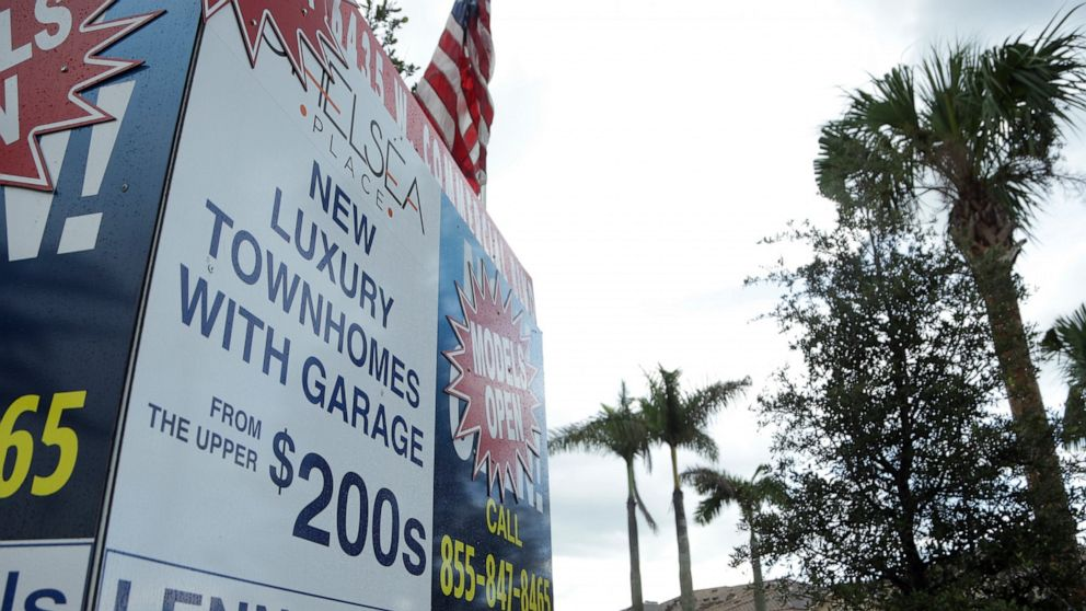 Tariff concerns, 3Q outlook drag Lennar's stock down