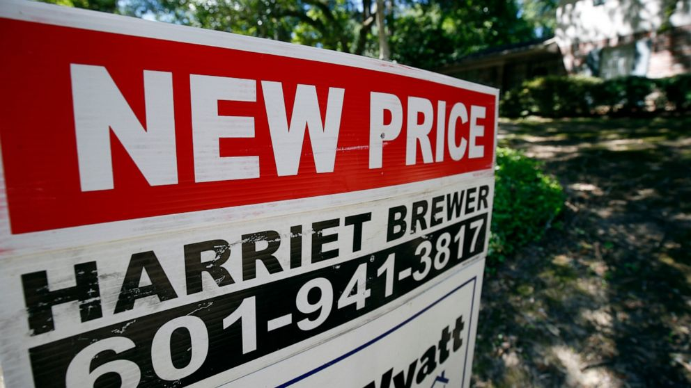 US home price growth slows for 13th straight month in April