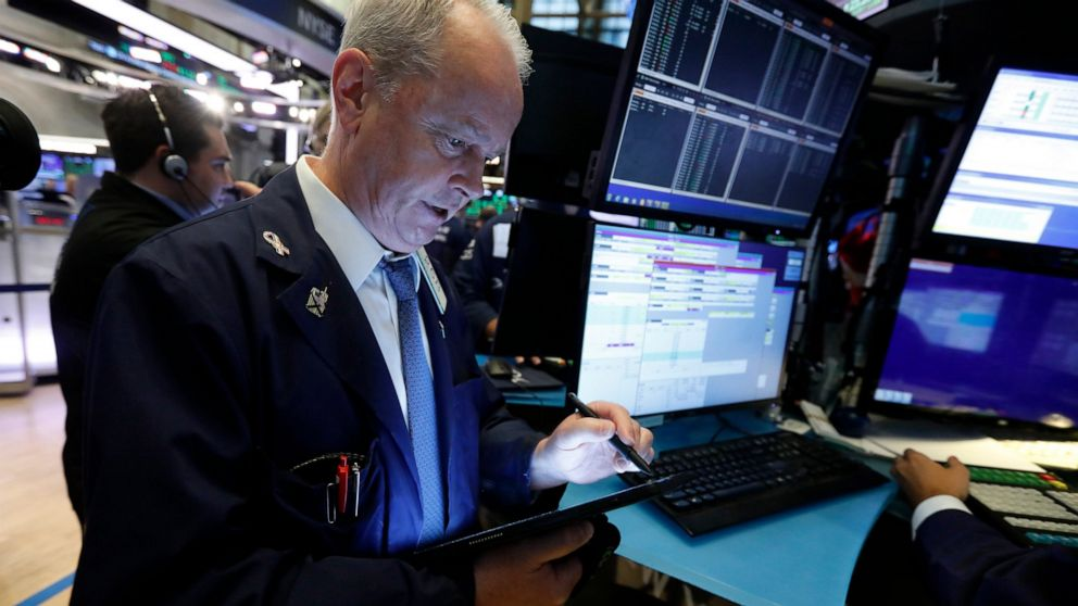 Stocks edge lower as bank losses offset technology gains