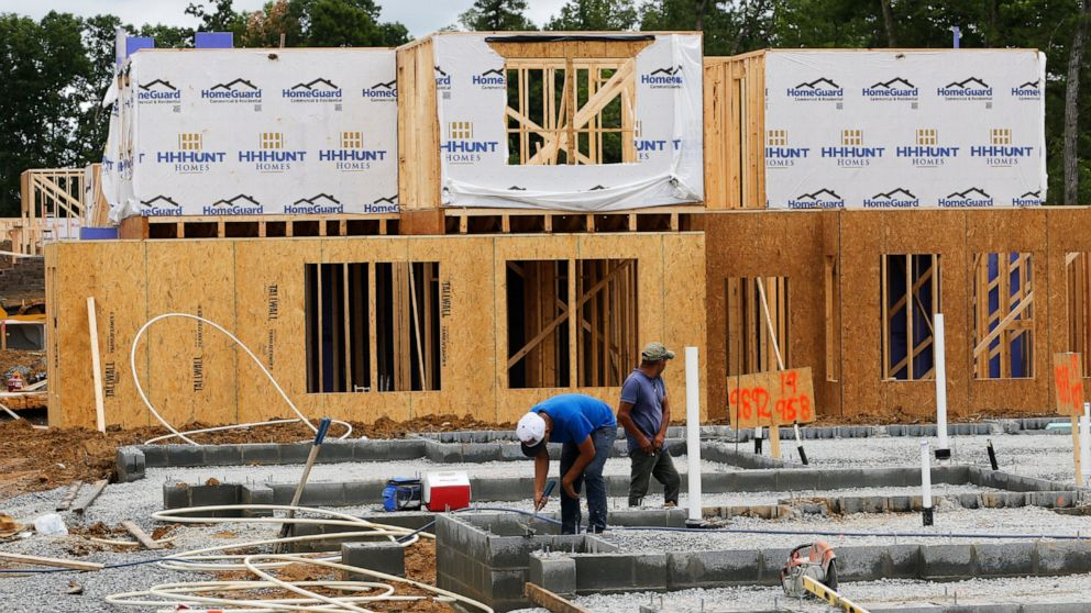 US construction spending falls 0.8% in May