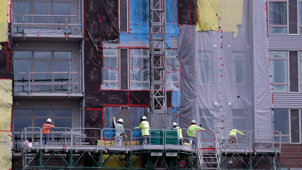 US home construction slips 0.9% to 1.25 million in June