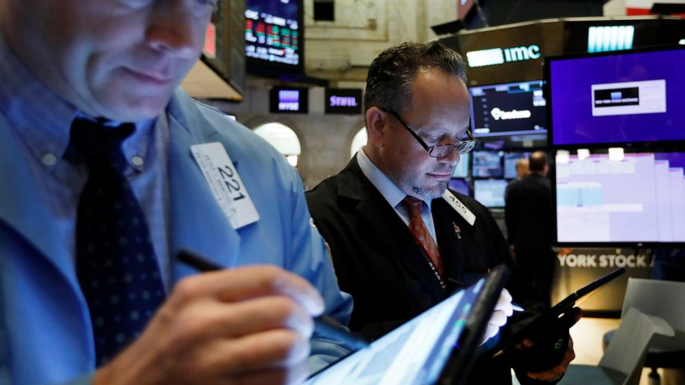 US stock indexes turn mixed in morning trading