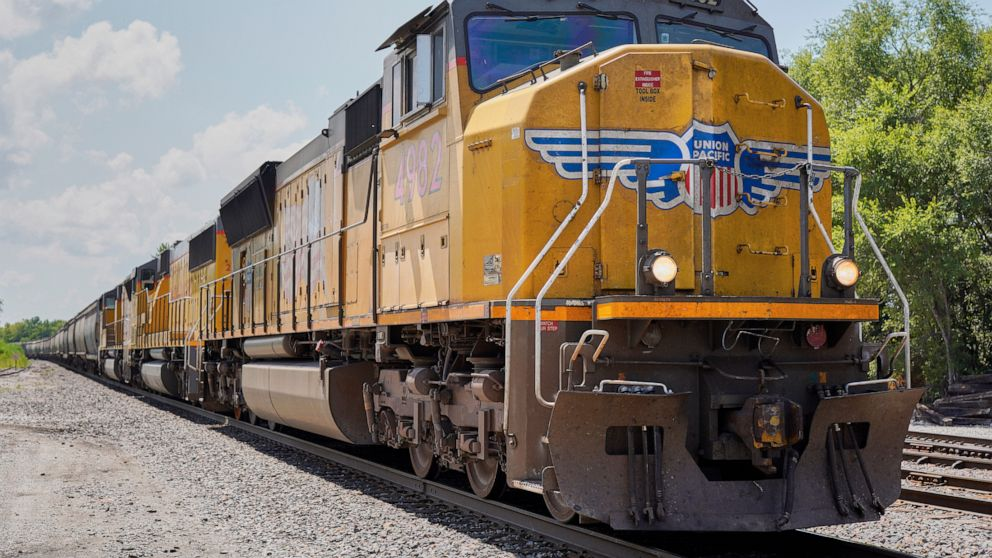 Union Pacific delivers 4% better 2Q profit on lower expenses