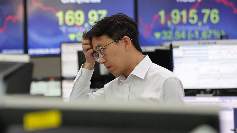 Asian shares tumble as US-China trade war renews uncertainty