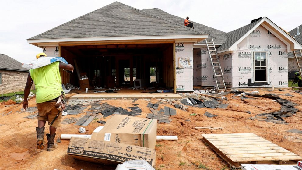 US home construction fell 4% in July