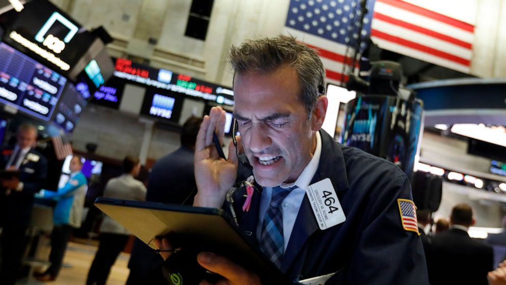US stocks claw back lost ground as China stabilizes currency