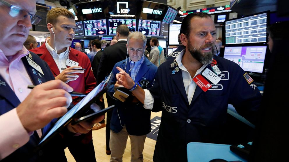 US stocks fall again, joining worldwide sell-off, on tariffs