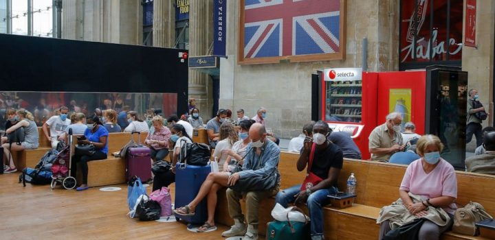 Brits scrambling home from France after quarantine move