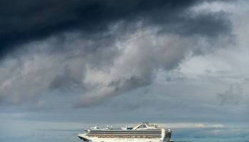 US agency sets rules for cruise ships to start sailing again