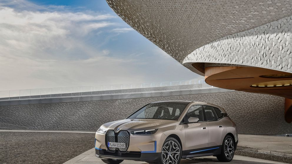 New BMW has classic grille - but for sensors, not airflow