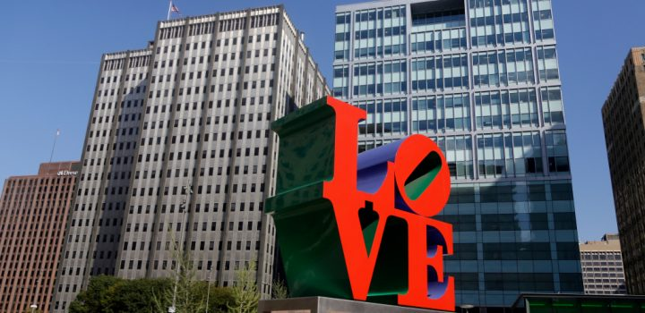 The Legal Battle Over Robert Indiana Winds Down—and More Art News – ARTnews.com