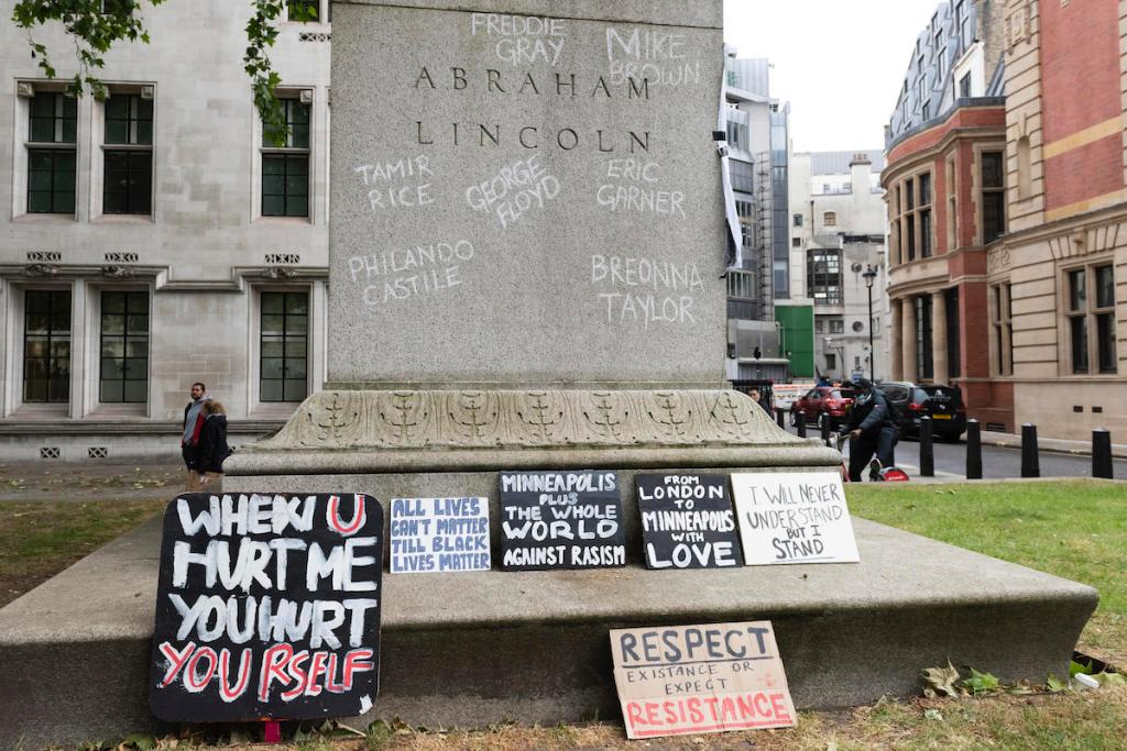 Monument Wars in the United Kingdom—and More Art News – ARTnews.com