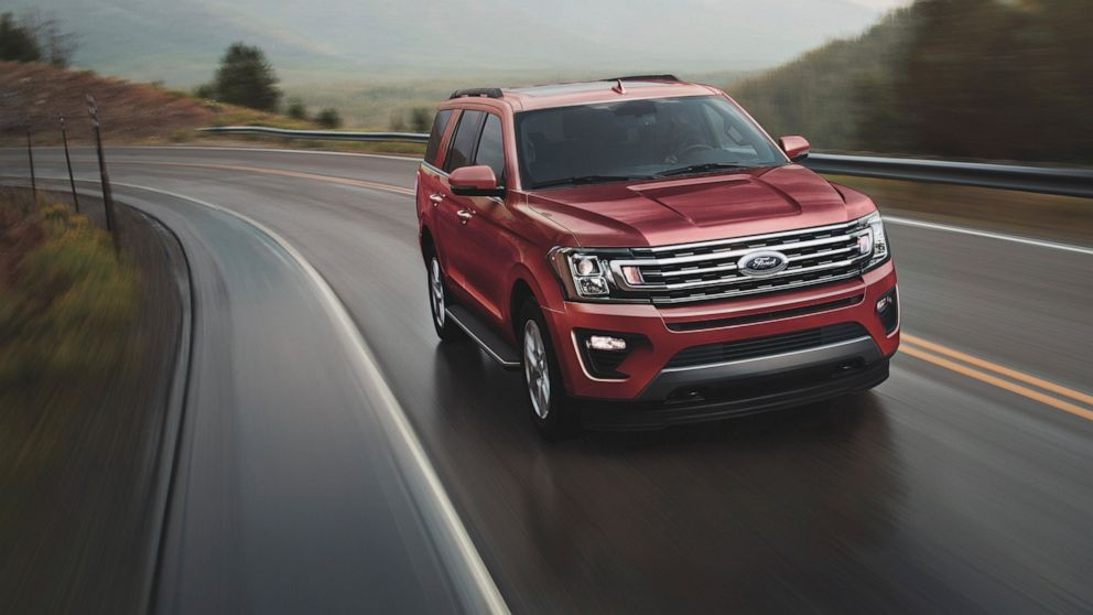 Edmunds compares 2021 Chevrolet Tahoe and Ford Expedition