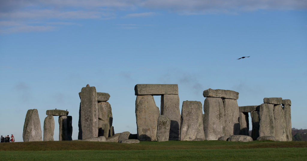 Stonehenge Researchers Uncover Possibility of Similar Older Monument – ARTnews.com