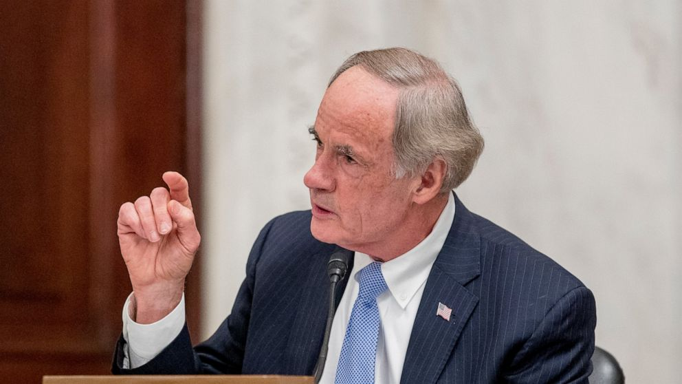 Carper urges tough US rules barring gas-powered cars by 2035