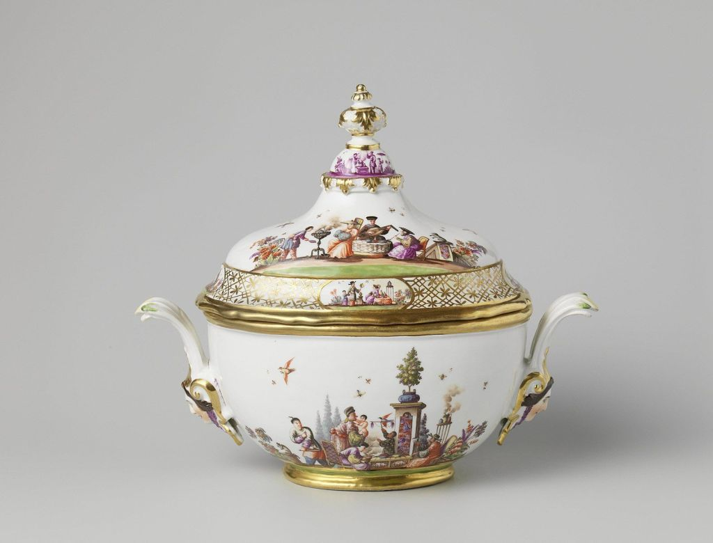 Sotheby's to Sell Porcelain Collection Restituted by Dutch Government – ARTnews.com