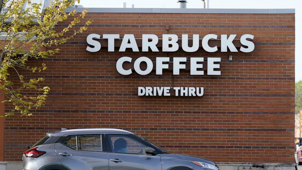 Starbucks returns to sales growth in its fiscal Q2