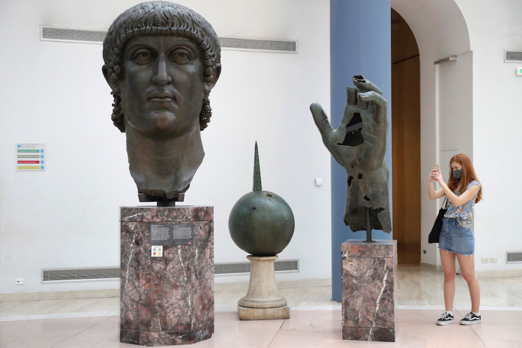 Colossal Statue of Roman Emperor Reunited with Missing Finger – ARTnews.com