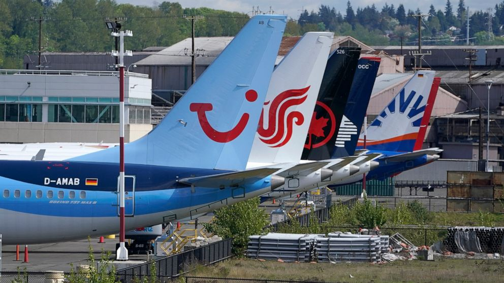 Lawmakers quiz Boeing, FAA about recent issues with planes