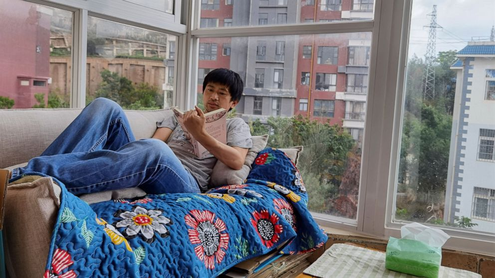 Some Chinese shun grueling careers for 'low-desire life'