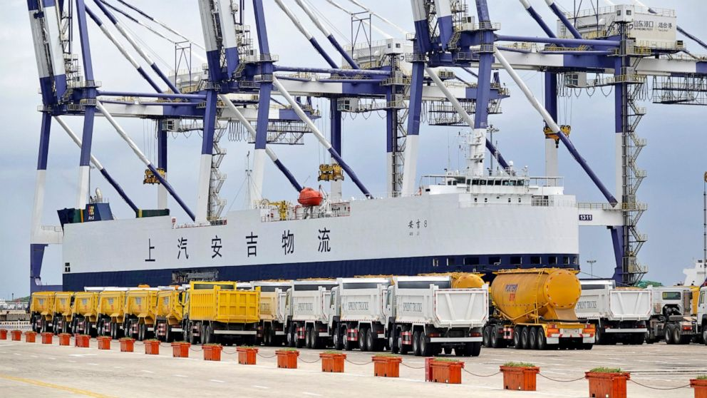 China's July exports, imports rise, but growth slows