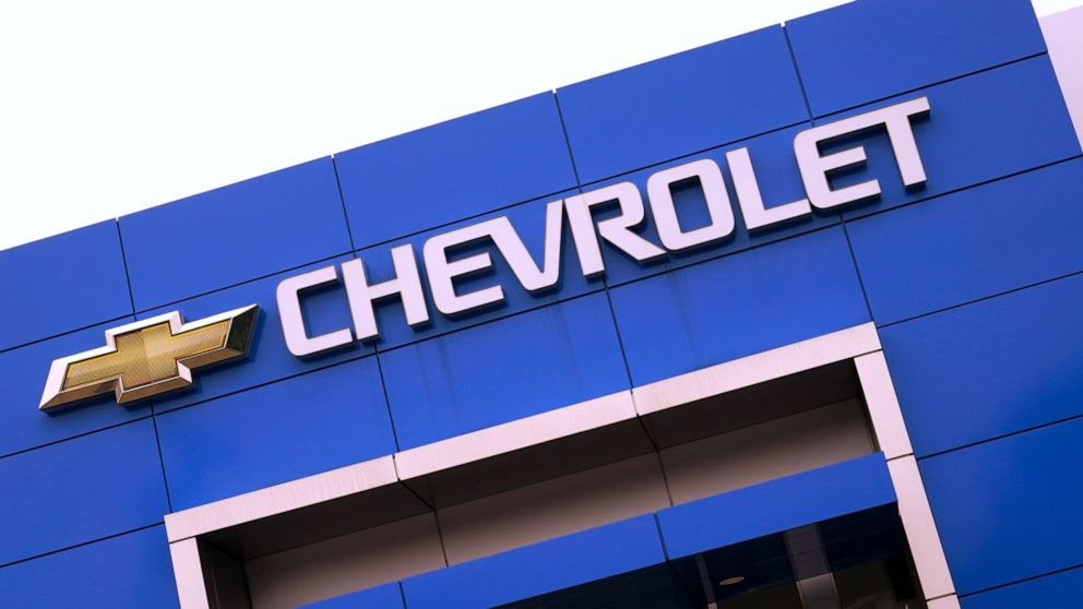 GM posts $2.8B profit, but cautious tone sinks share price