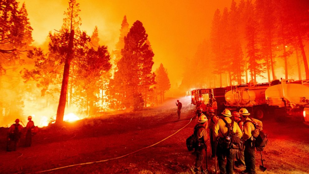 Winds frustrate effort to corral wildfire near Lake Tahoe