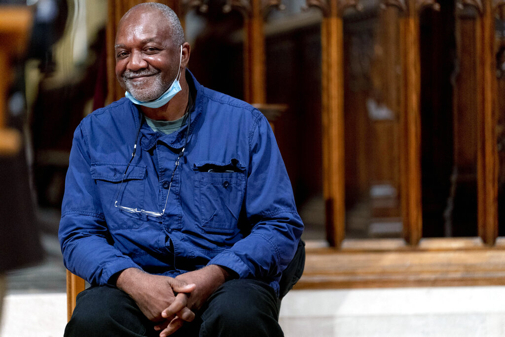 Kerry James Marshall to Design Windows for the National Cathedral – ARTnews.com